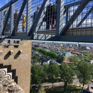 Uitzicht vanaf koepel kathedraal Sint Bavo in Haarlem (Klim naar het licht)