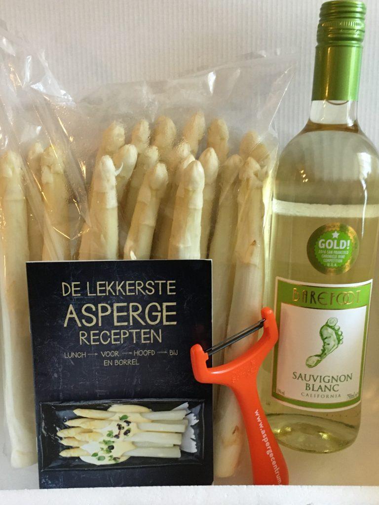 asperges, witte wijn en een aspergeschiller